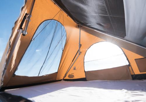 vue panoramique dans tente de toit duo hussarde