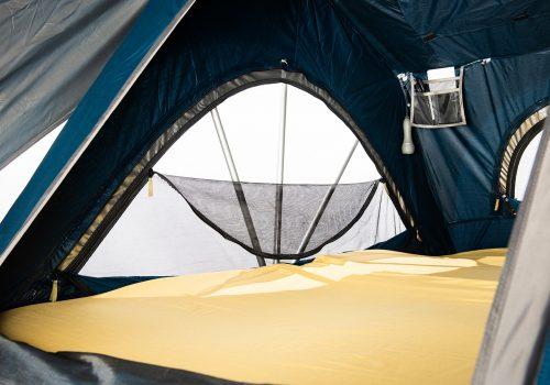 photo de l'intérieur d'une tente de toit yuna family sheepie stoemelings